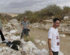 Hunting for floods in Wadi Tzin - 2009 picture no. 1