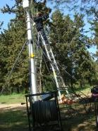 Erecting the mast