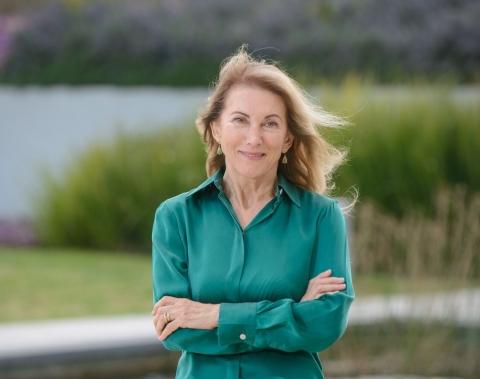 Dr. Berta Strulovici