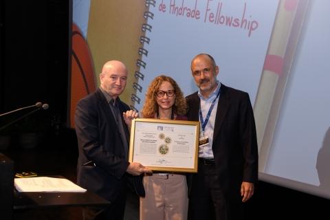 L to R: Prof. Daniel Zajfman, Vanessa Bucheim and Marcos Pinheiro de Andrade