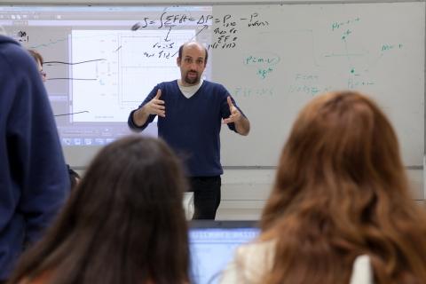 Dr. Eran Grinvald