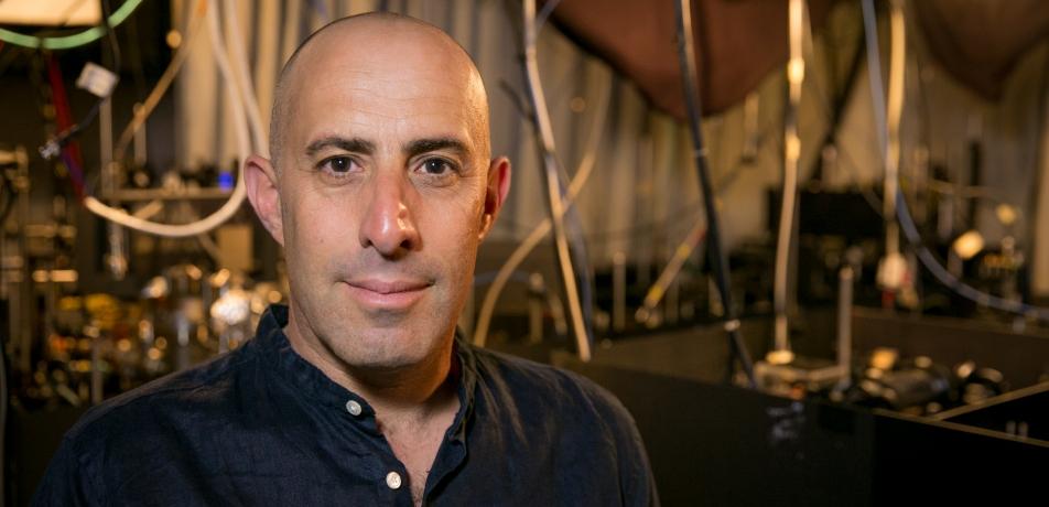 Prof. Roee Ozeri in his quantum physics lab