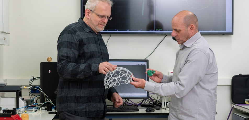 TOVA's inventors, L to R: Dr. Slava Kalchenko and Prof. Alon Harmelin