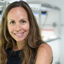 Dr. Einat Segev, a former recipient of the Israel National Postdoctoral Award for Advancing Women in Science. She is a new member of the Department of Plant and Environmental Sciences and one of four new women hired as principal investigators this year who are former grant recipients.