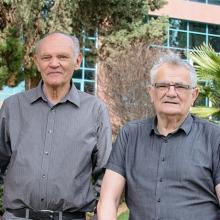 Prof. Leslie Leiserowitz (left), Prof. Meir Lahav and Prof. Zelig Eshhar