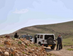2013 - Lab Trip: Jeeps in the Judean Desert picture no. 80