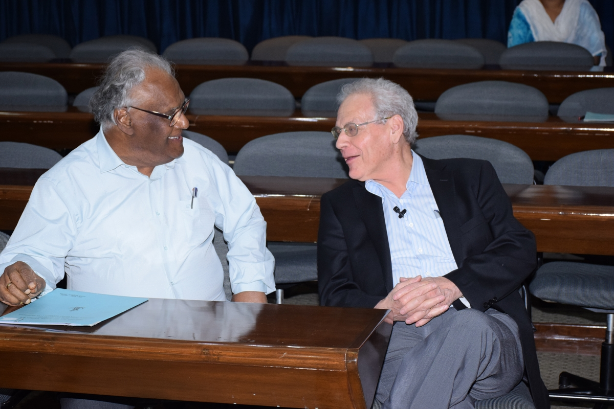 Chatting with Prof. CNR Rao before the lecture and ceremony