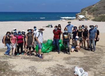 Volunteers day - cleaning Palmachim beach, July 2020