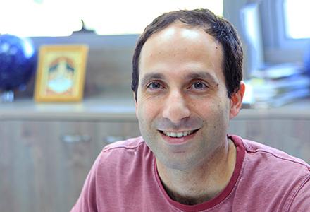 Dr. Eran Ofek