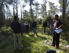 Weizmann tree lab group with visitors Prof. Simon Landhausser (Canada) and Dr. Guenter Hoch (Switzerland)